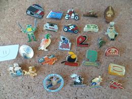 LOT DE 25 PIN'S  ( Lot N° 11 ) - Pin's