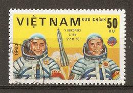 1983 - Journée De L'astronautique - Cosmonautes Bykovsky Et Jähn - Programme Intercosmos - N°413 - Viêt-Nam