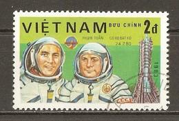 1983 - Journée De L'astronautique - Cosmonautes Gorbatko Et Tuan - Programme Intercosmos - N°416 - Viêt-Nam