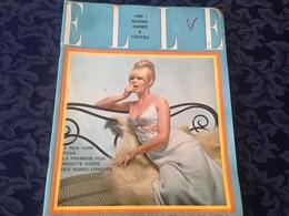 ELLE FRANCE Rivista Magazine 30 Dicembre 1965 N.1045 Brigitte Bardot - Livres, BD, Revues