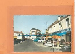 CPSM - CHALLANS - Place Du Générale De Gaulle - Café Tabac Du Commerce - Voiture Anccienne Auto - Challans