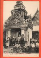 TRL-02 Cambodge Siam-Reap.Bonzes Se Rendant Dans Les Villages Pour Recueillir L'aumone.Indochine-Française.Non Circ. - Cambodia