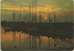 V3781 Rimini - La Darsena Al Tramonto - Sunset Coucher - Barche Boats Bateaux / Viaggiata 1975 - Rimini