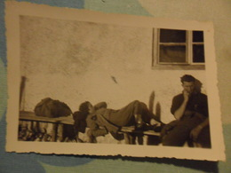 Foto Piccola ALPINISTI IN RIPOSO   BONDONE 1946 - Persone Anonimi