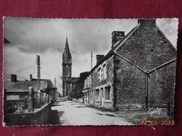 CPSM - Le Grand-Celland - Le Bourg Et L'Eglise - France