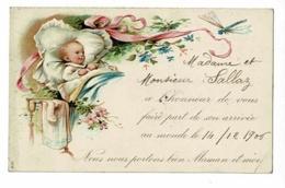 Carte Illustrée & Gauffrée - Bébé Couché, Libelulle, Porte-serviette - Les Parents Annoncent L'arrivée De Leur Enfant - Naissance