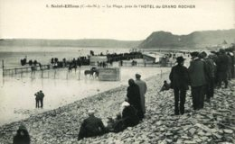 22- CPA Saint Efflam - La Plage, Près De L'Hotel Du Grand Rocher - France
