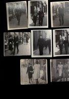 MONS RUE DE LA CHAUSSEE ET AUTRES EN +- 1930 LOTS DE 8 PETITES PHOTOS  HOMMES FEMMES EN PROMENADE DEVANT LES MAGASINS - Lieux