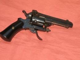 "Beau Revolver A Broche 7 Mm  Je Pense Que C""est Un Spirlet 1877 Ou Un Rube Ou Un Merolla Tres Rare - Decorative Weapons"