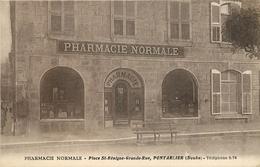 CPA 25 PONTTARLIER COMMERCE PHARMACIE PLACE ST BENIGNE GRANDE RUE  VOIR IMAGES - Pontarlier