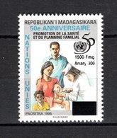 MADAGASCAR  N° 1025  SURCHARGE LOCALE  NEUF SANS CHARNIERE  COTE  ? €  NATIONS UNIES  RARE - Madagascar (1960-...)