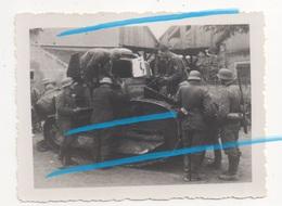 WW2 Allemands Luftwaffe Inspectent Char Français Renault FT17 Abandonné LONS LE SAUNIER Jura ! - 1939-45
