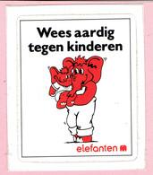 Sticker - Wees Aardig Tegen Kinderen - Elefanten - Autocollants