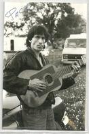 Photo Non Cp  8,5x12,7cm : Guitariste  Gitan Signé PACO - Music And Musicians