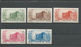 INDE FRANCAISE Scott B7-B11 Yvert 118-122 (5) * Cote 60,00 $ 1939 - India (1892-1954)
