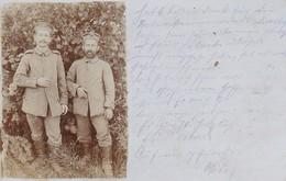 AK Foto 2 Deutsche Soldaten Im Wald - Feldpost Landwehr-Infanterie-Regiment Nr. 27 - 1915 (38707) - Weltkrieg 1914-18