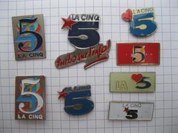 LA CINQ Lot De 8 Pin's - Pin's