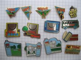 VITTEL Lot De 14 Pin's - Pin's