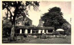 BRULY-DE-PêCHES   Un Coin Du Parc De L'hôtel De La Fontaine. - Eghezée