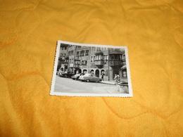 PHOTO ANCIENNE DE 1959.  / LIEU RHEIN ?...VOITURES A IDENTIFIER ANOTATION AU DOS.. - Lieux