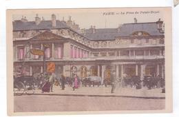 75  PARIS  La Place Du Palais Royal - Transport Urbain En Surface