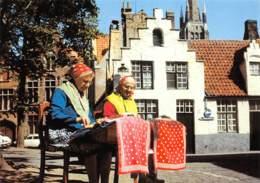 CPM - BRUGGE - Kantwerkster Aan 't Werk - Brugge
