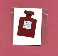 F-  NEW!! Réplique Chanel N°5 Posée Sur Carton, Sous Blister - Duty Free USA - Perfume Cards