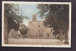 CPSM 30 - VALLABREGUES - Vallabrègues - La Poste Et L'Eglise - TB PLAN Place CENTRE Village - France