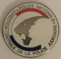 Jeton De Caddie - POLICE NATIONALE - D.C.P.J. - Direction Centrale De La Police Judiciaire - En Métal - Neuf - - Trolley Token/Shopping Trolley Chip