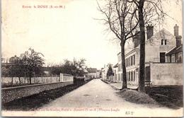 77 DOUE - Entrée Du Village - France