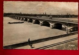Jolie CP 33 Animée Bordeaux Pont Sur La Garonne - CAD 28-08-1956 Pour Capit. Lefort Rbat Maroc - Ed La Cigogne 33.999.16 - Bordeaux
