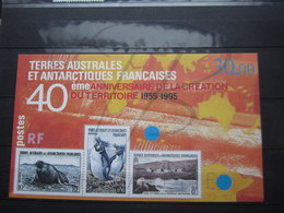 VEND BEAU BLOC FEUILLET DES T.A.A.F. N° 2 , XX !!! - Blocs-feuillets