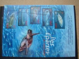 VEND BEAU BLOC FEUILLET DES T.A.A.F. N° 18 , XX !!! (b) - Blocks & Sheetlets