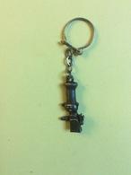 Porte Clefs : Chat En Cuisinier  (Coste- Métal) - Key-rings