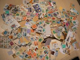 Vrac Timbres Du Monde Sur Fragment : 1 Kg Soit + 8000 Estimés - Briefmarken