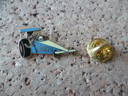 PIN'S   VOITURE  ORANGE 91 - Badges