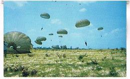 PARACHUTISME  BATTALION  NORTH CAROLINA   CPM  TBE  AV319 - Parachutisme