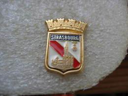 Pin's Des Armoiries De La Ville De STRASBOURG - Cities