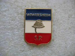 Pin's Des Sapeurs Pompiers De La Commune De WIWERSHEIM (Dépt 67) - Bomberos