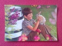 TARJETA POSTAL CARTE POSTALE POST CARD POSTCARD NIÑO CON BOY WITH RABBIT LAPIN LIÈVRE HARE HASE LIEBRE CONEJO....VER FOT - Animales
