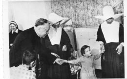 - Avec Les Petits Anormaux De L'Hospice St Vincent De Paul  -11427- - Churches & Convents