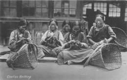 Tibet / 02 - Coolies Knitting - Tibet