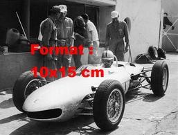 Reproduction D'une Photographie Ancienne D'une Ferrari 156 Au Grand Prix De Monza En 1962 - Reproductions