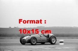 Reproduction D'une Photographie Ancienne D'une Ferrari 375/F1 4.5 Litres Au Grand Prix De Silverstone En 1951 - Reproductions