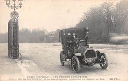 PARIS NOUVEAU - Les Femmes Chauffeur - Mme DECOURCELLE, La Cochère-Chauffeuse Conduisant Un Autotax Au Bois - Arrondissement: 16