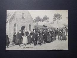 Carte Postale - En Bretagne - Noce Au Pays Des Bigoudens - Danse De La Gavotte (2582) - Marriages