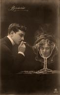 """CPA Carte Photo - Surréalisme - Photo Montage - Photographie - """" Rêverie """" - Tête Femme Dans Un Verre - Fumée Cigarette - Photographie"""