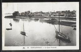 CPA 29 - Concarneau, Le Quai Pénéroff - Concarneau