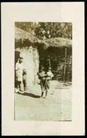 Ref 1261 - 1922 Private Ethnic Postcard - Zulu Children Outside Kraal - South Africa - Africa