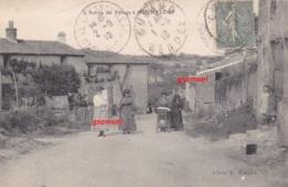85 Hucheloup ( Cugand Vendée ) - Entrée Du Village Animée (vieille Poussette) - Cliché E. Renaud. Voir Scan. - Andere Gemeenten